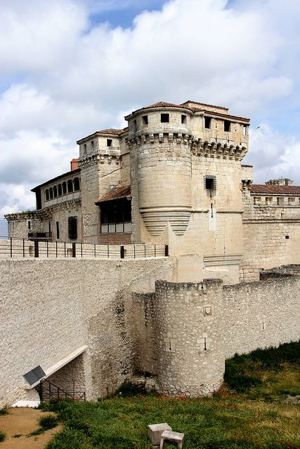Castillo de los Duques de Alburquerque, Cuéllar   Spain