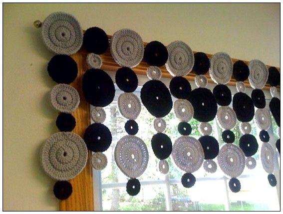 Resultados de la Búsqueda de imágenes de Google de http://www.windowtreatments-ideas.com/wp-content/uploads/2011/12/Crochet-Valance.jpg