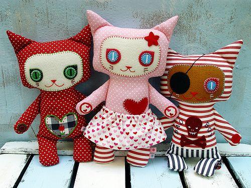 Kitty Kat dolls #fabric #dolls #animals