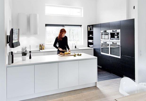 Tjek ud, hvordan de har udnyttet det at lave en FULD vælg med køkkenskabe.