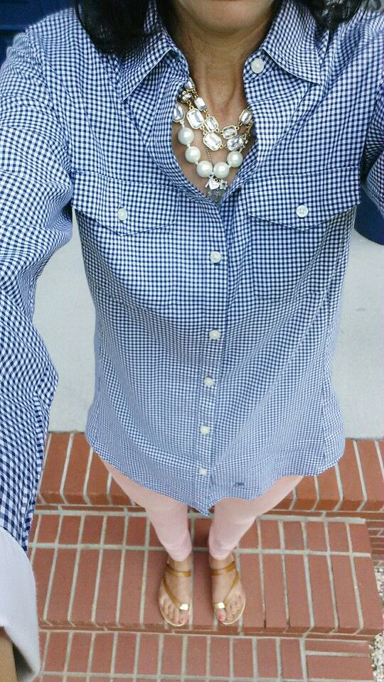 I love this shirt!  In the winter I would throw a light weight sweater over it. Navy Gingham peach skinny jeans #preppie
