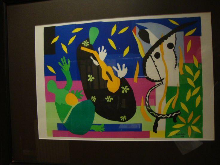 in dit schilderij zie je expressionisme want de kleuren zijn  niet realistisch bijv. een mens kan niet groen zijn.