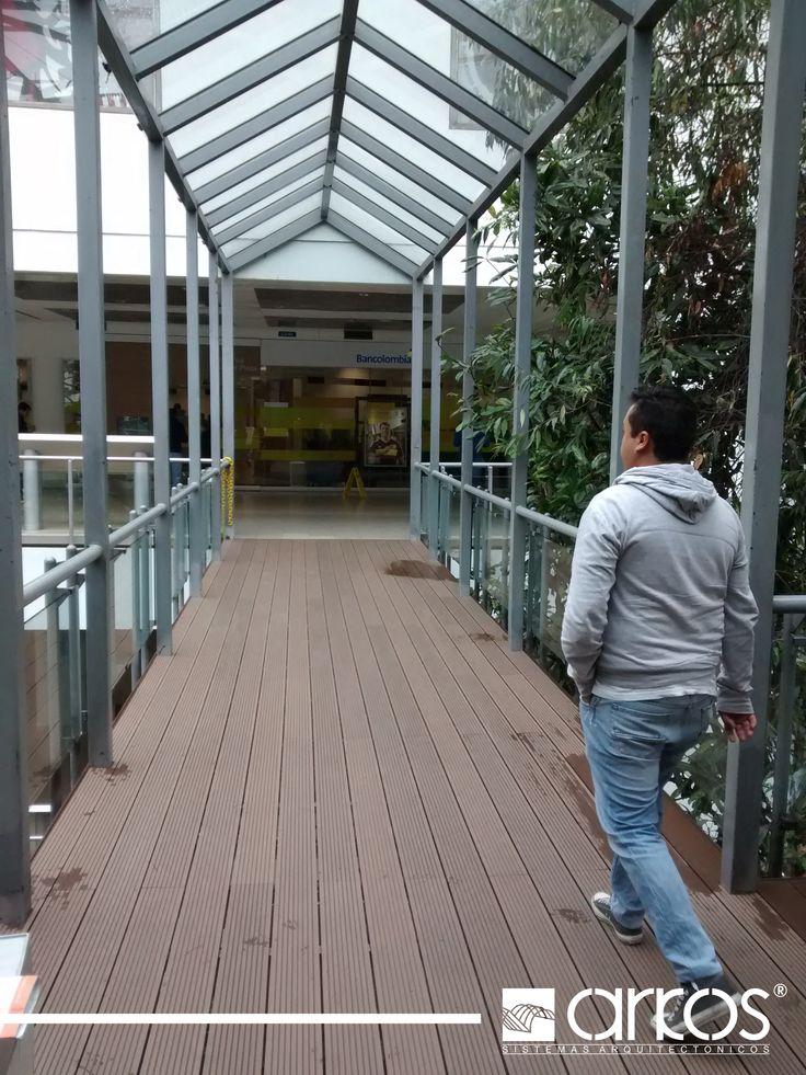 Decks de madera plastica para senderos peatonales