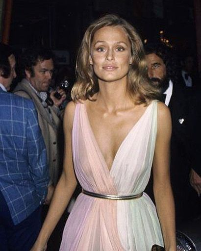 Lauren Hutton arriving at the 47th Academy Awards in LA, 1975