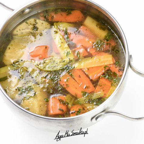 zdrowy rosół wegański warzywny wywar duży garnek zupy
