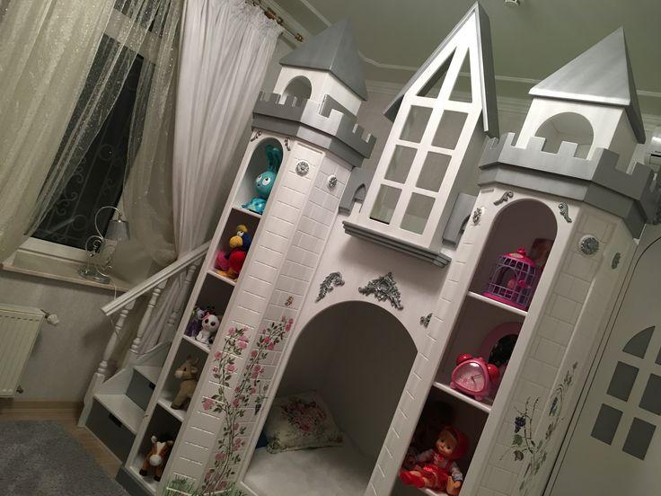 """Детская двухъярусная кровать """"Замок"""""""