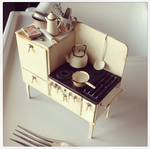 1920's stove made by 2smartminiatures
