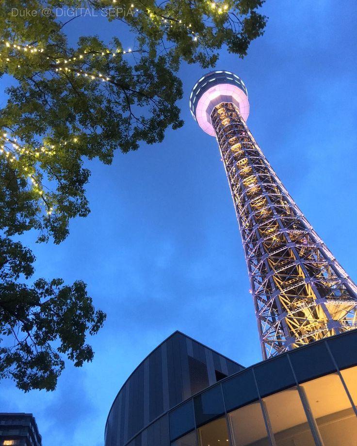 Yokohama Marine Tower at Dusk. 今宵の横浜マリンタワーさま  #Yokohama #YokohamaMarineTower #MarineTower #Japan #dusk #tower #iphonography #横浜 #横浜マリンタワー #マリンタワー #宵 #塔 #タワー