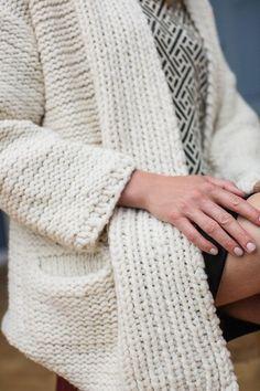 Kostenlose Anleitung bitte als Strickjacke bitte habe zu wenig Wolle für Mantel Handarbeit