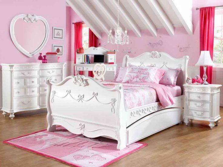 Best 25+ Disney princess bedroom set ideas on Pinterest   Little ...