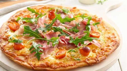 Prosciutto & Roasted Tomato Pizza