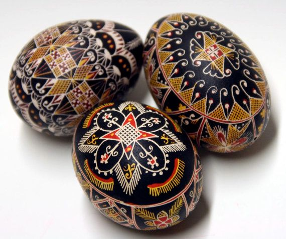Traditional hand painted Easter Eggs set of 3 by werkstatthoeflich, €26.00