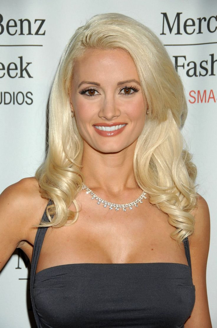 When I grow up, I want to look like Holly Madison...
