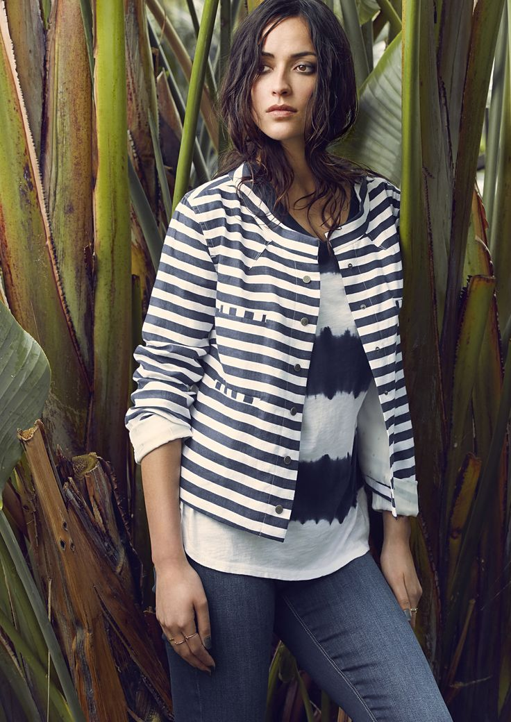 EAST SIDE TEE - 2929SW Relaxed fit top.