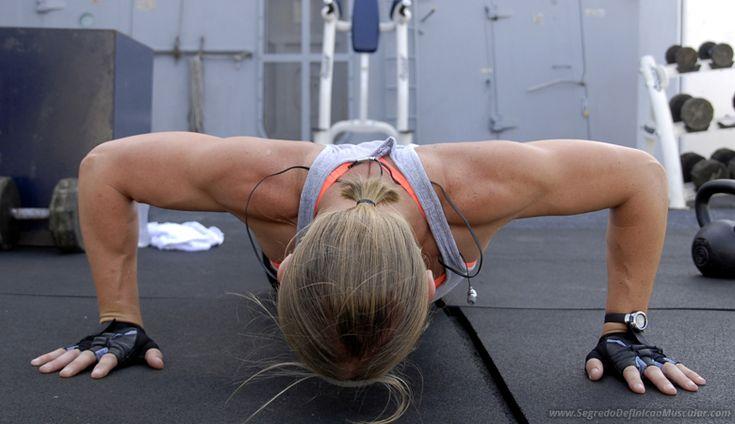 Como Ficar Com o Corpo Definido Fazendo Flexões ➡ https://segredodefinicaomuscular.com/como-ficar-com-o-corpo-definido-malhando-em-casa/  Gostou? Compartilhe com seus amigos...  #EstiloDeVidaFitness #ComoDefinirCorpo #SegredoDefiniçãoMuscular