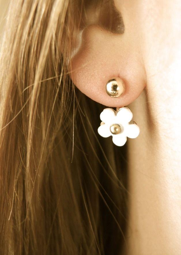 Ohrringe - Goldohrringe mit weiß Blume. Doppel Ohrringe. - ein Designerstück von PerfectPresent bei DaWanda