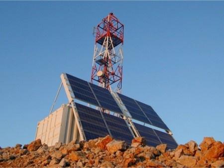 C'est le groupement Photalia-Vergnet Burkina qui a remporté le contrat de fourniture pour l'alimentation électrique solaire de nouveaux sites télécom sur l'ensemble du territoire burkinabé. L'objectif principal de ce projet télécom d'envergure est de contribuer au désenclavement de nombreuses zones du pays. Il s'agit aussi de rendre les réseaux télécom moins dépendants des infrastructures électriques nationales parfois déficientes. Photalia, filiale du groupe français Vergnet, indique avoir…