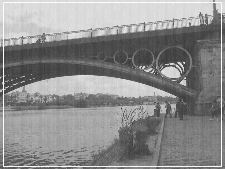 Puente de Isabel II - Puente de Triana  www.trianaocio.es