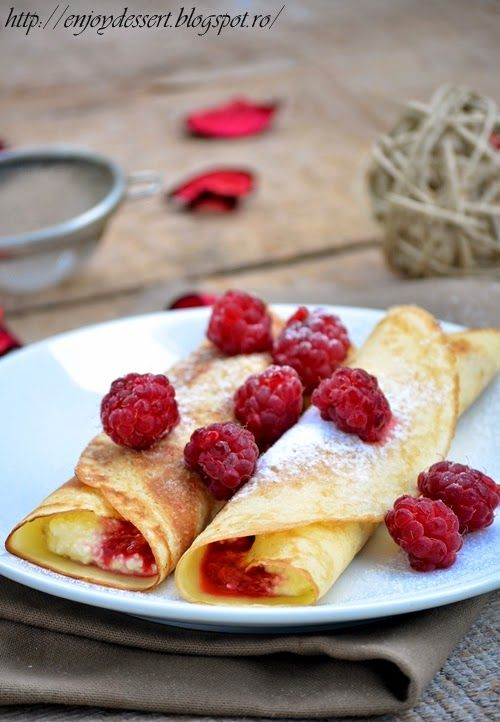 Crepes with Cream Cheese and Raspberries