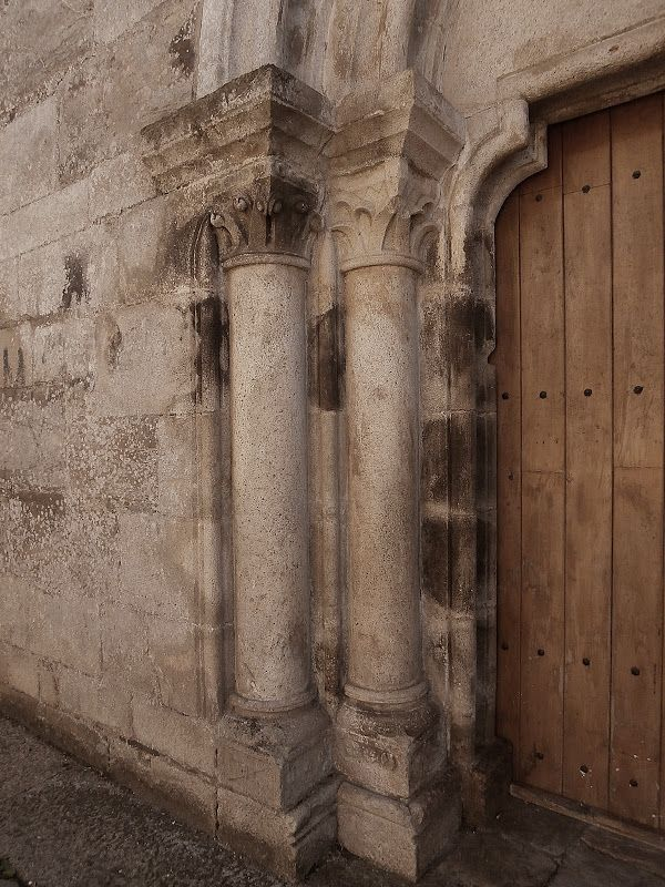 Hoy estamos en Meira, en donde nace el Miño, en el interior de la provincia de Lugo. Visitamos el antiguo Monasterio de Santa María, funda...