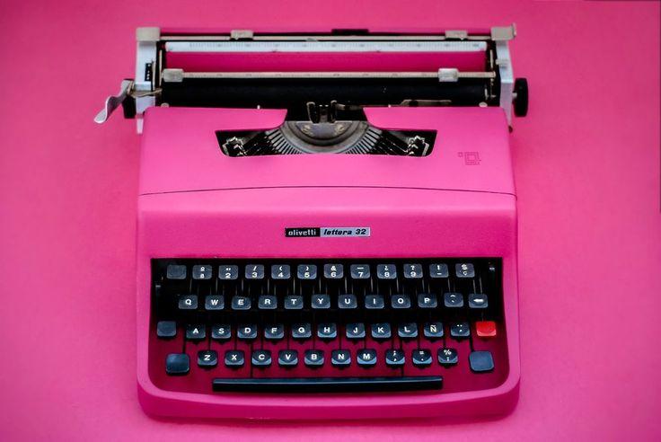 SALE!!! PINK TYPEWRITER OLIVETTI 32 - Portable working typewriter | Collectibles, Pens & Writing Instruments, Typewriters | eBay!