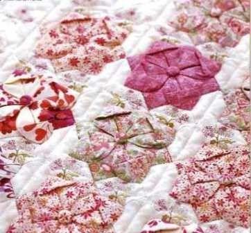 Fuxico Diferente - rosa quadrado