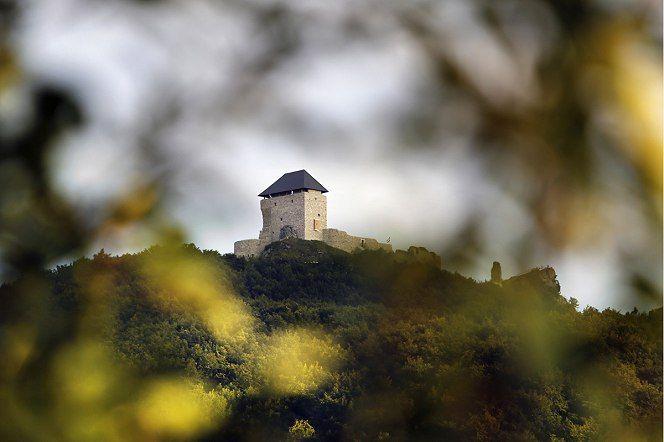 300 év után újra épülőben Regéc vára, Hungary