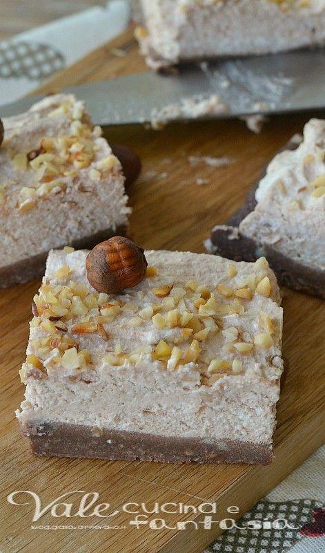 Brownies cheesecake alle nocciole senza cottura