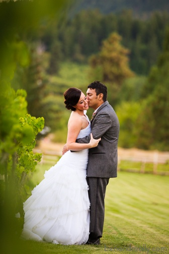 50 best images about groom poses on pinterest the for Outdoor wedding photography poses
