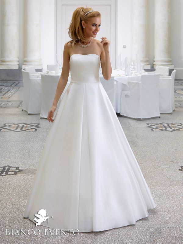 Lilya belle dress white navy