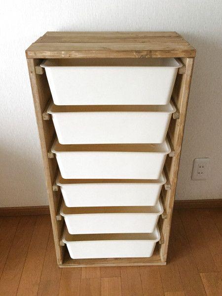 ダイソーのスクエア収納ケースと1×4の木材で☆IKEAのトロファスト風収納棚