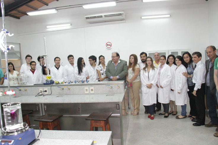 FIUNA habilitó las mejoras incorporadas a su laboratorio de Química y Saneamiento | Facultad de Ingeniería