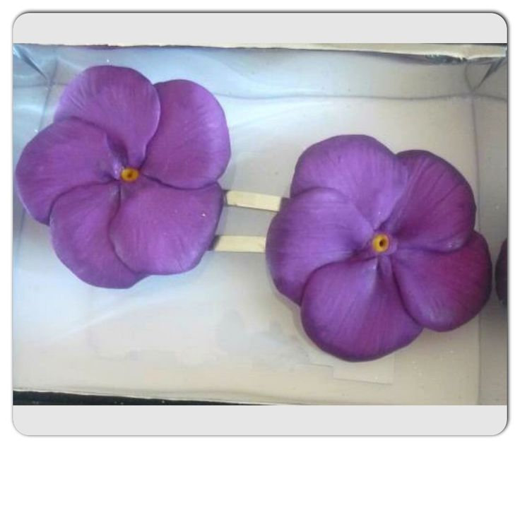 Periwinkle, hand made polymer clay flowers.