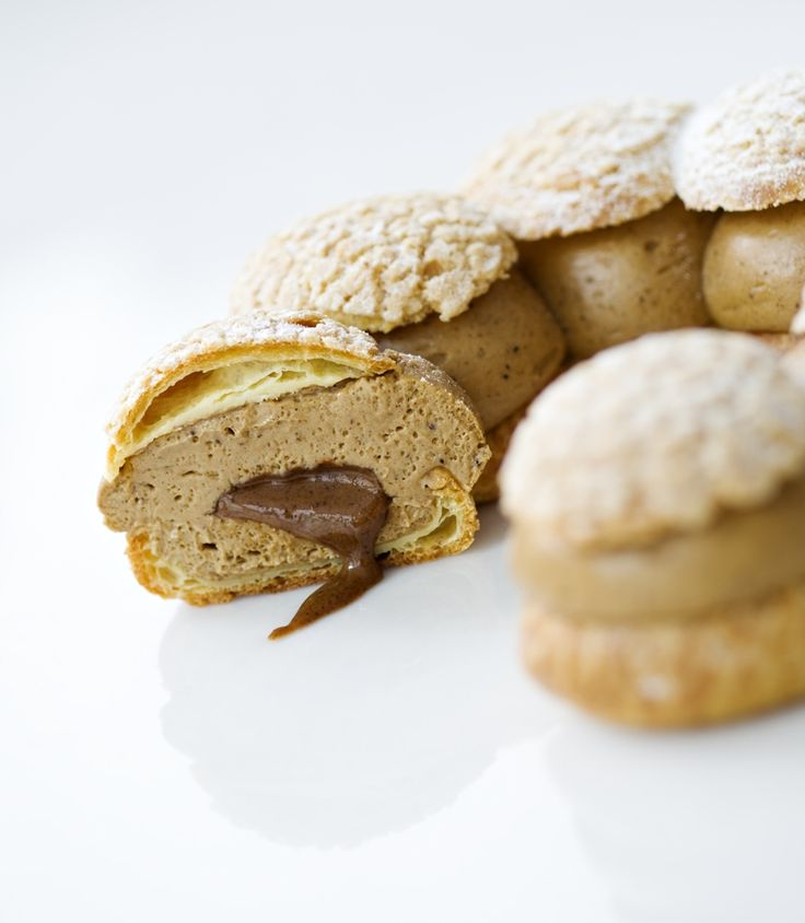 Paris Brest - Philippe Conticini - Pâte à choux, crumble sur la pâte à choux, crème « mousseline » au praliné, cœur coulant de praliné