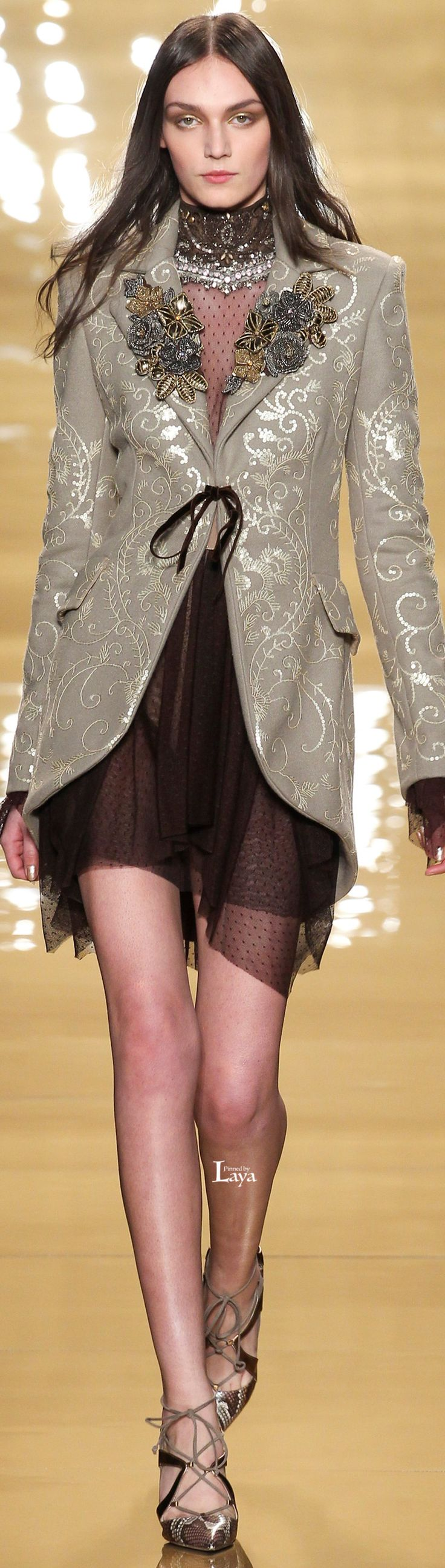 CLOTHES AND FASHION ; Reem Acra Fall Winter 2015-16 RTW