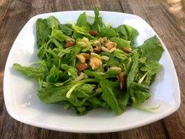 Insalata di spinaci novelli e frutta secca