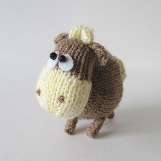 Amigurumi Easter Egg Pattern Free : 31 best images about Cows on Pinterest