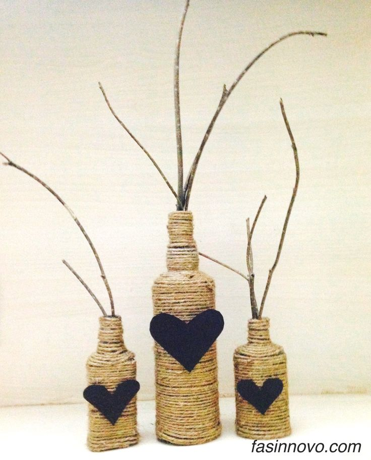 Reuse wine bottle with twine yarn. Just glue yarn to the bottle