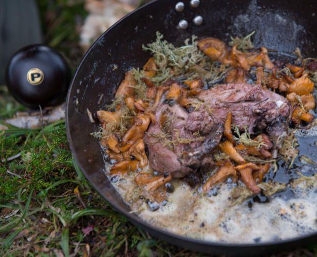 RYPESUPPE: Den ferske rypa ble stekt i panne før den ble lagt på en fløtebasert suppe. Foto: TV 2