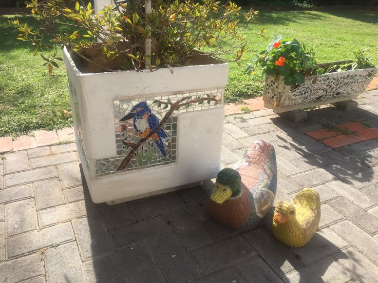 My mosaic planters and ducks