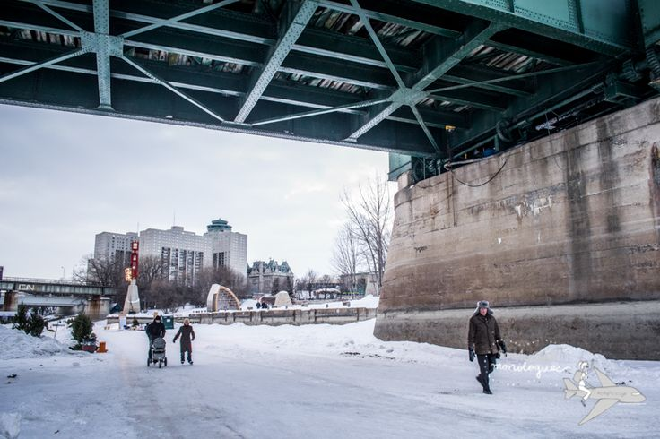Locals skating on the very frozen Red River. #winnipeg