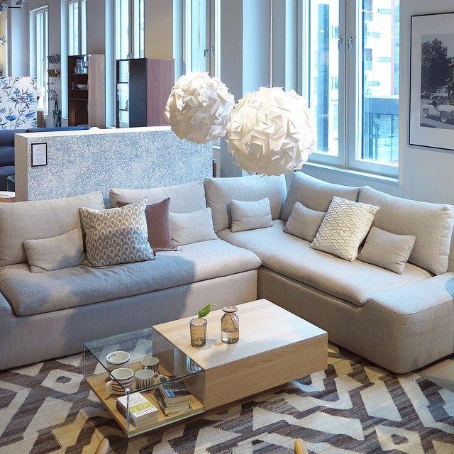 Favorit på Habitat; sköna och snygga soffan Kasha. Går att få i en mängd olika kombinationer och flera olika färger. Välkomna till Skrapan & Täby C så berättar vi gärna mer! #habitatsverige