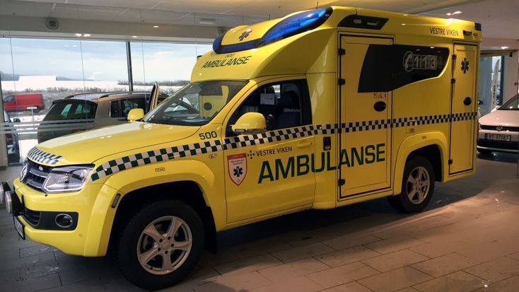 Splitter ny ambulanse til Buskerud Norge. Brand new ambulance for Buskerud Norway. Read article in Norwegian: http://drm24.no/nyheter/splitter-ny-ambulanse-til-buskerud-15122343