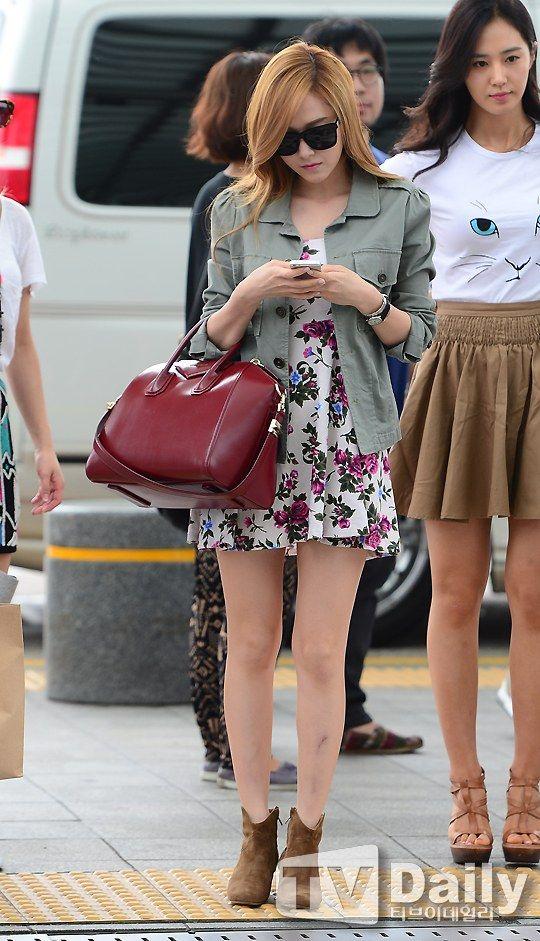 Snsd Jessica Airport Fashion July 19 540 941 Snsd Airport Fashion Pinterest