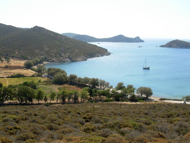 Ships that reach Patmos, the island's port berth - Skala, a lively place with white houses and flowers in the gardens, fish taverns, hotels, restaurants, cafes and shops. North of Skala is a village Kampos, situated between trees and greenery, and next to it is considered the best beach on the island.