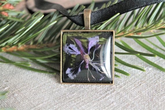 Square botanical pressed flower pendant purple petals by Miodunka