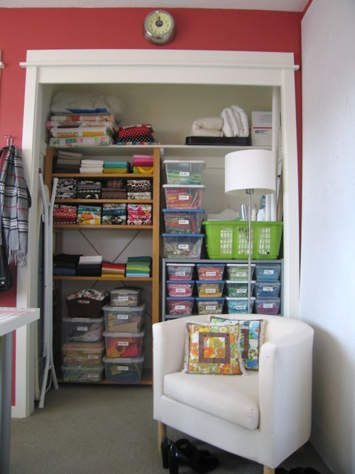 fabric storage: Closet Spaces, Crafts Rooms, Nice Ideas, Closet Organizations, Rooms Ideas, Sewing Rooms, Closet Ideas, Organizations Closet, Fabrics Organizations Ideas