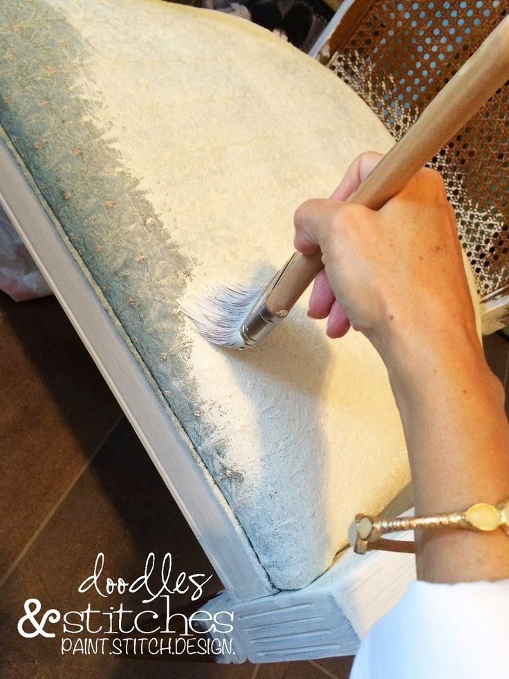 How to paint fabric using Chalk Paint
