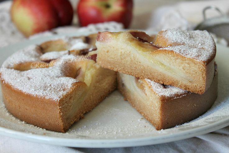 Torta leggera all'acqua e yogurt senza uova, burro e zucchero. Torta leggera con la stevia al posto dello zucchero, ideale per le diete ipocaloriche.