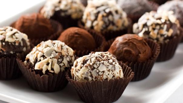 Cookie Dough Truffles (Nate Berkus): Desserts, Truffles Recipes, Chocolate Chips, Chocolates Chips, Cookie Dough Truffles, Bittersweet Chocolates, Cookies Dough Truffles, Recipes M, Favorite Recipes